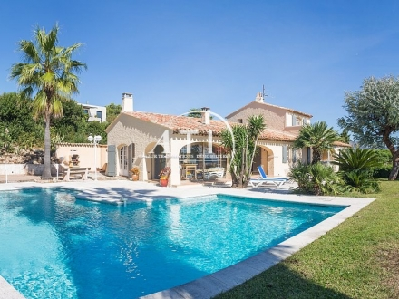 Beautiful Provencal villa with sea view
